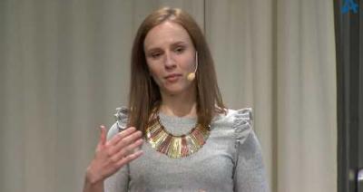Embedded thumbnail for Kvinnokvällen i Stockholm den 16 april - Sandra Bourbon, Framtidsfeministen